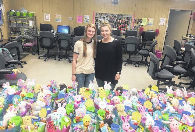 Students make days brighter for elderly residents sampson independent lizzie phipps and ellington tart donate deliver easter gifts to rolling ridge negle Images