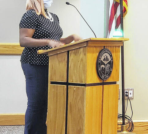 Shaniqua Bowden shares concerns about her family and COVID.                                  Emily M. Williams | Sampson Independent